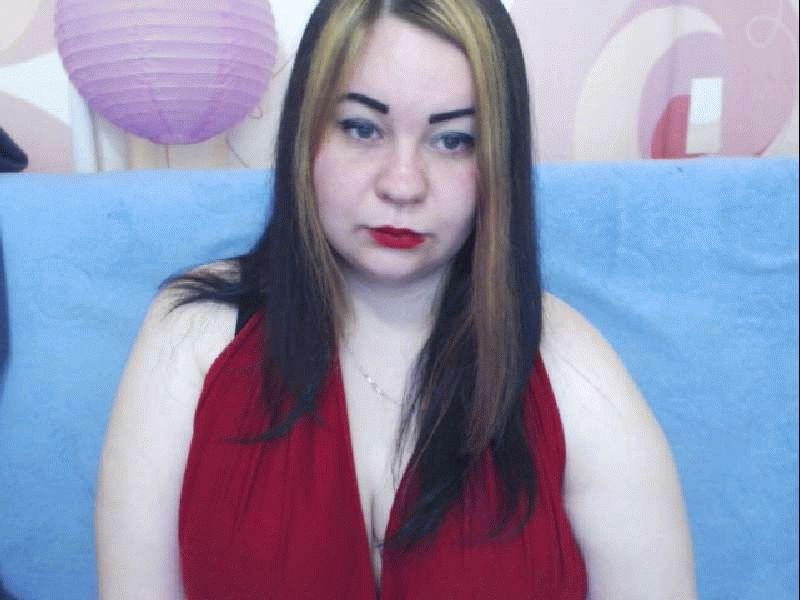Nu live hete webcamsex met Hollandse amateur  beautifulbomb?
