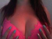Nu live hete webcamsex met Hollandse amateur  beauty21?