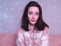 Nu live hete webcamsex met Hollandse amateur  brunettelove?