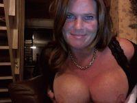 Nu live hete webcamsex met Hollandse amateur  cynthiasex?