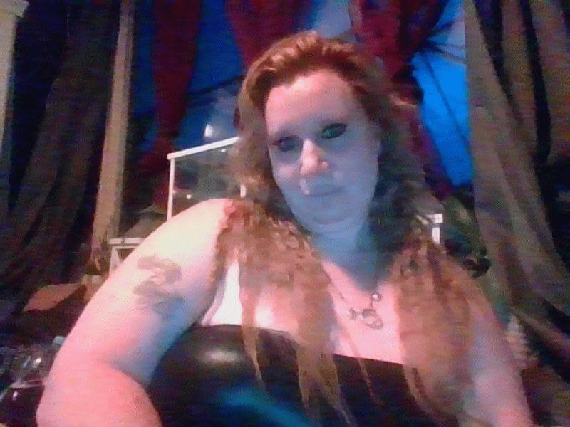 Nu live hete webcamsex met Hollandse amateur  jewel-xl?