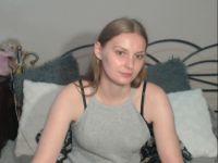 Nu live hete webcamsex met Hollandse amateur  larissasweet?