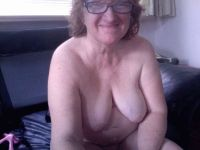 Nu live hete webcamsex met Hollandse amateur  sexstoeipoes?