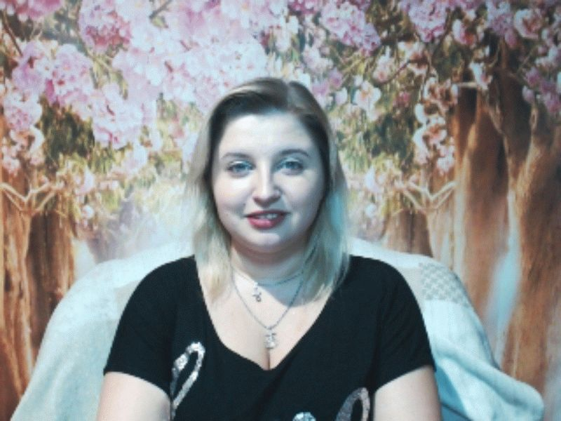 Nu live hete webcamsex met Hollandse amateur  suggarbabe?