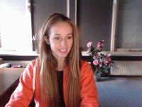 Nu live hete webcamsex met Hollandse amateur  veronavdleur?